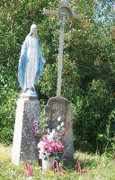Krzyż i figurka na Pastorczyku